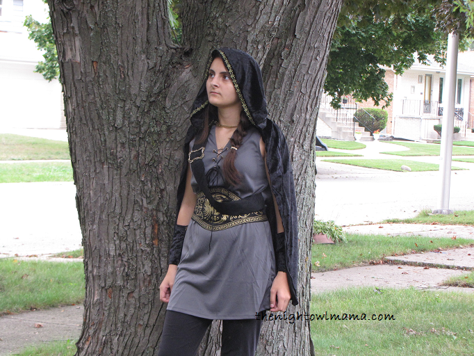 hunger-games-costume  sc 1 st  The Night Owl Mama & Love Hunger Games? Select Renaissance Costumes for Halloween - The ...
