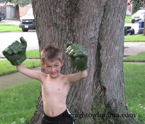 avengers-hulk-fists-hasbro
