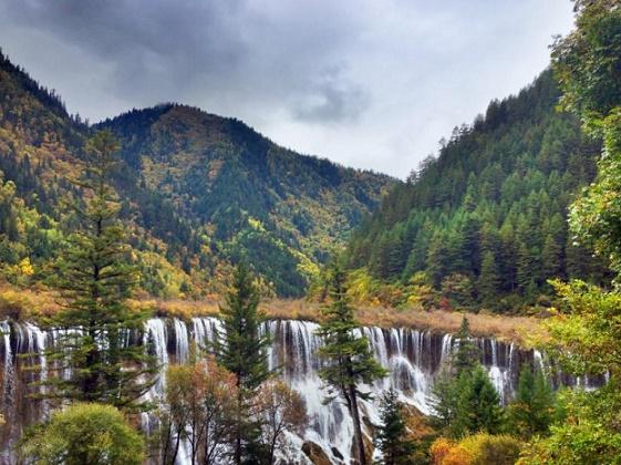 BornInChina-mountains-waterfalls