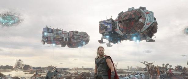 Marvel Studios' THOR: RAGNAROK..Thor (Chris Hemsworth)..Ph: Teaser Film Frame..©Marvel Studios 2017