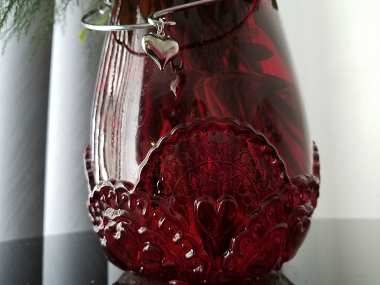 red-vase-valentine